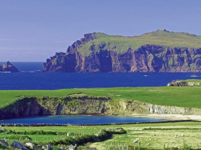 Navigation à la voile, en croisière le long des côtes du Kerry, vers Dingle et Galway. Stage croisères au départ de Brest