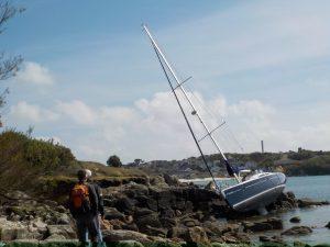 Voilier échoué au fond du port de St Mary